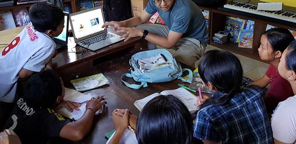 Laptops voor Yayasan Widya Guna